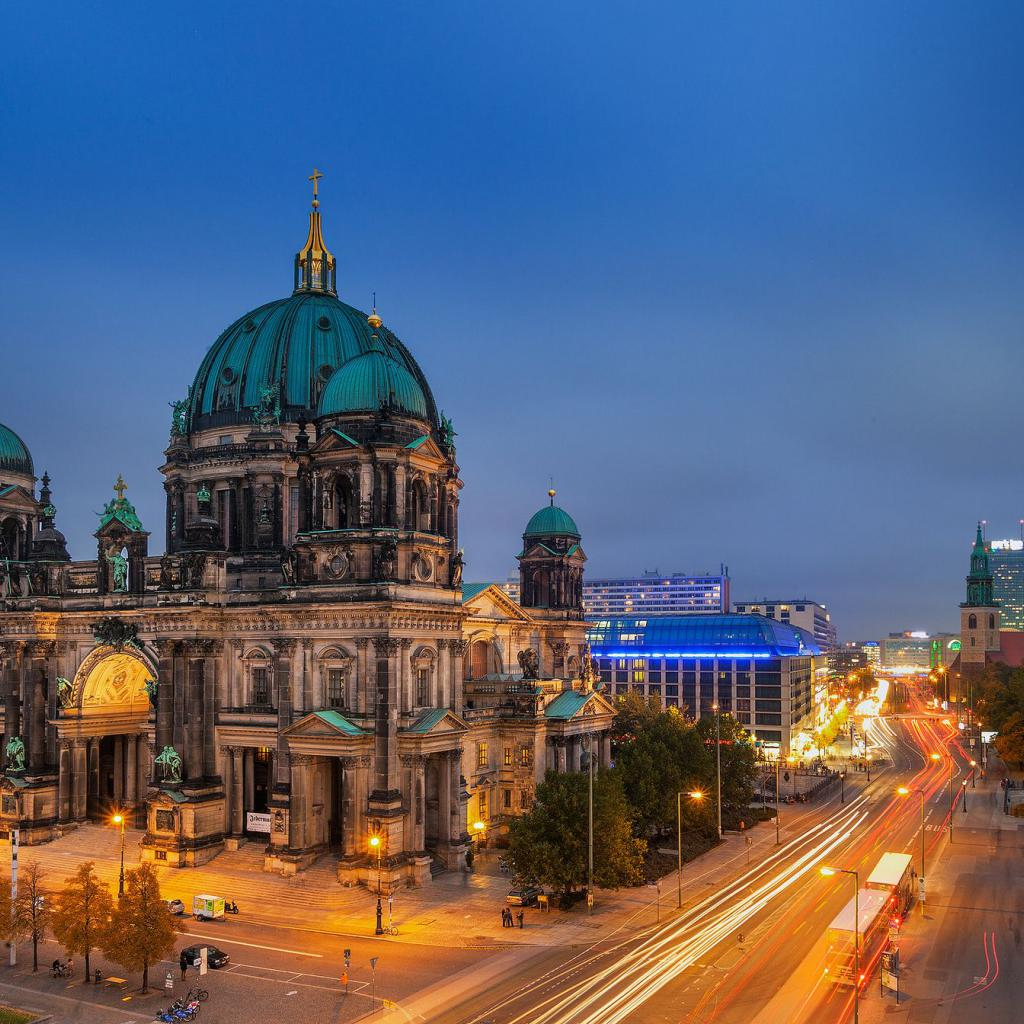 city break berlin - Domul este de departe cel mai impunator edificiu din insula muzeelor