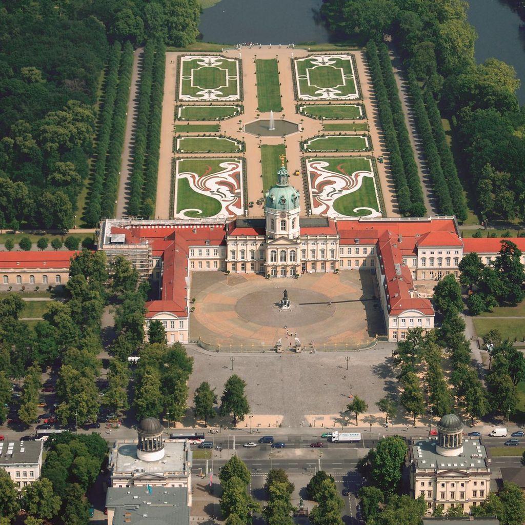 city break berlin - palatul chalottenburg - resedinta de vara a lui Sophie Charlotte, sotia principelui elector Frederic III