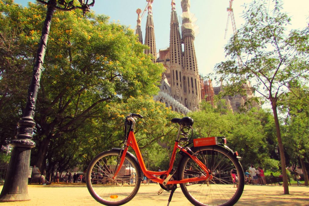 obiective-turistice-barcelona-bicicleta