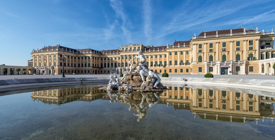 Palatul Schönbrunn-resedinta de vara a familiei imperiale de Habsburg