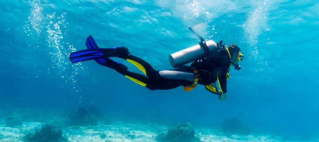 Cand vine vorba de explorarea marii, cei mai multi aleg scuba diving.