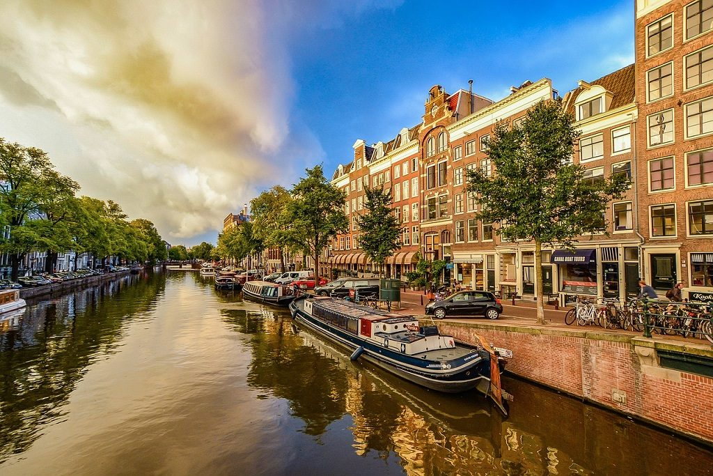 Canale din Amsterdam