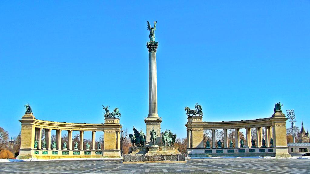 Monumentul Eroilor, Budapesta