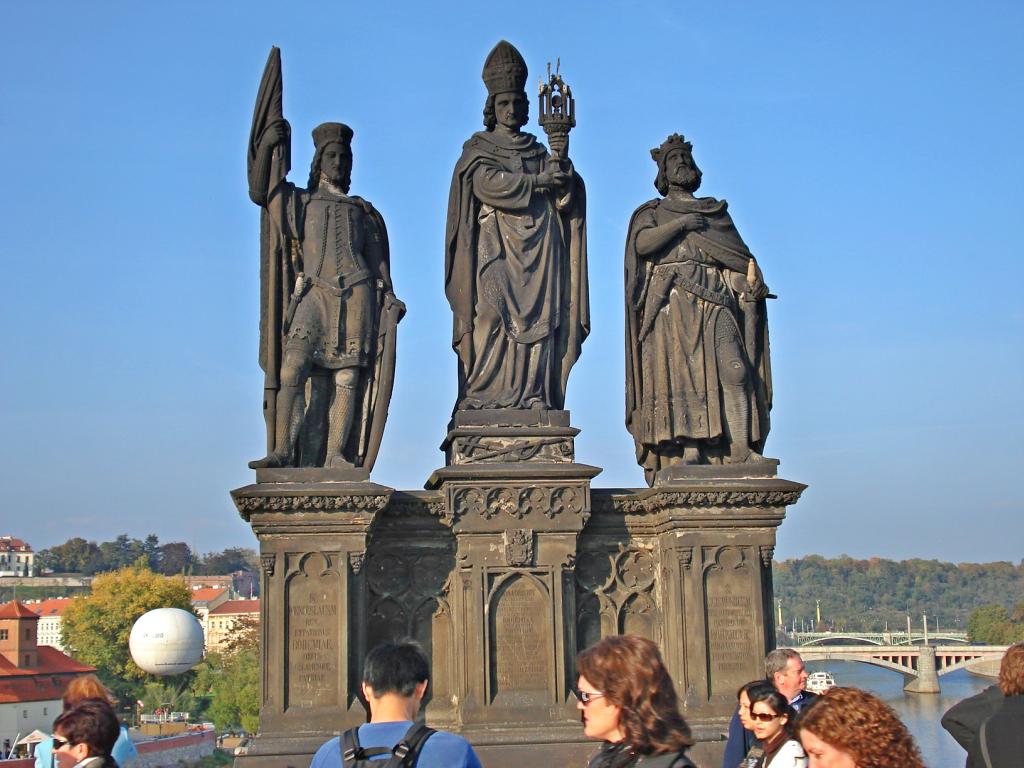 Statuie de pe Podul lui Charles