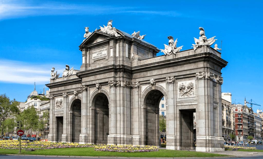 Obiective turistice Madrid - Puerta Alcala