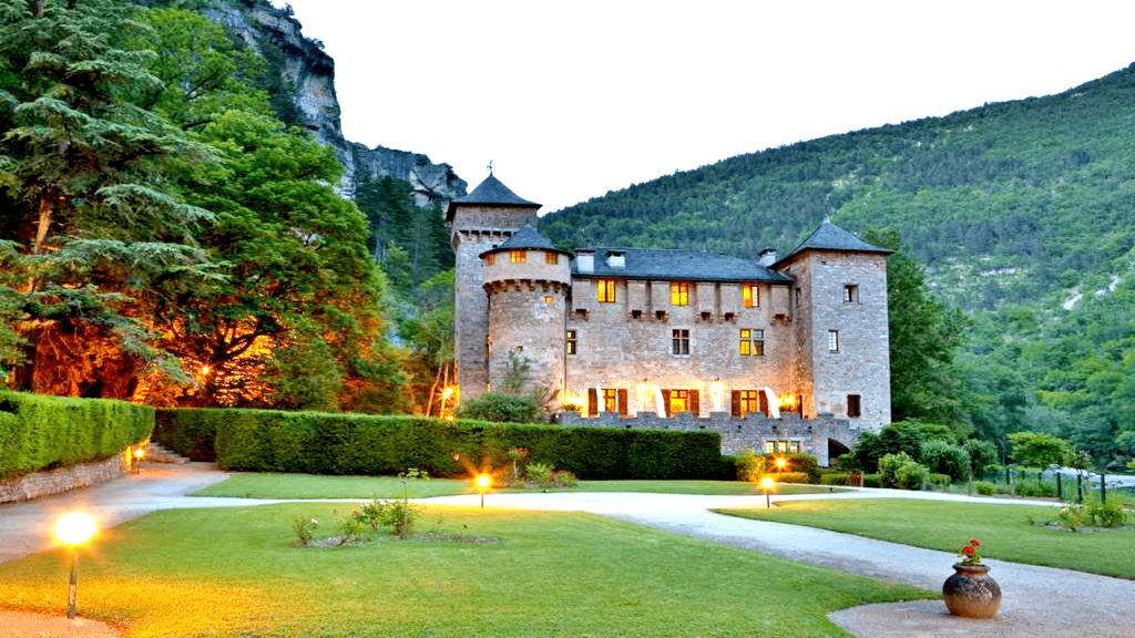 Destinatii de vacanta pentru familiile cu copii - Castelele