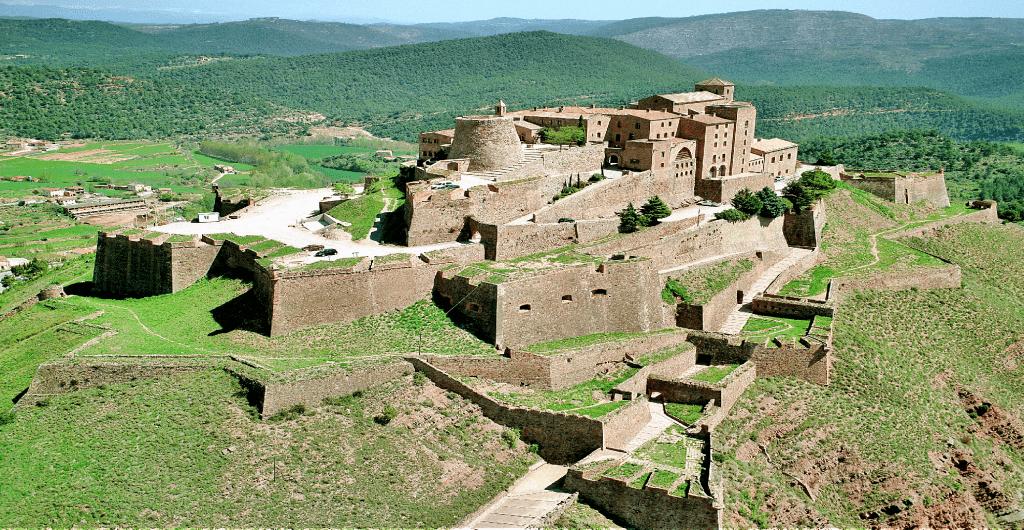 Castele Europa unde te poti caza - Parador de Cardona