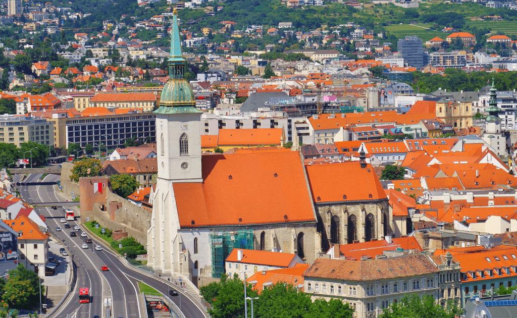 Obiective turistice Bratislava - Biserica Sf Martin