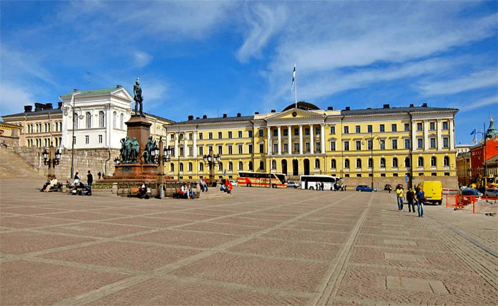 Obiective turistice Helsinki - Piata Senatului