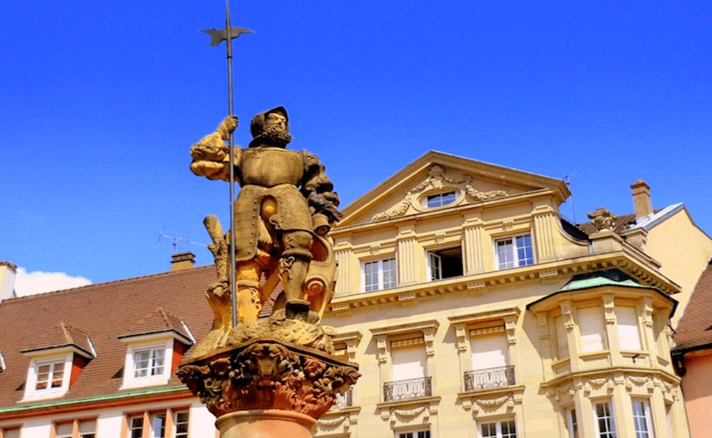 Obiective turistice Mulhouse - Statuia lui Yeoman