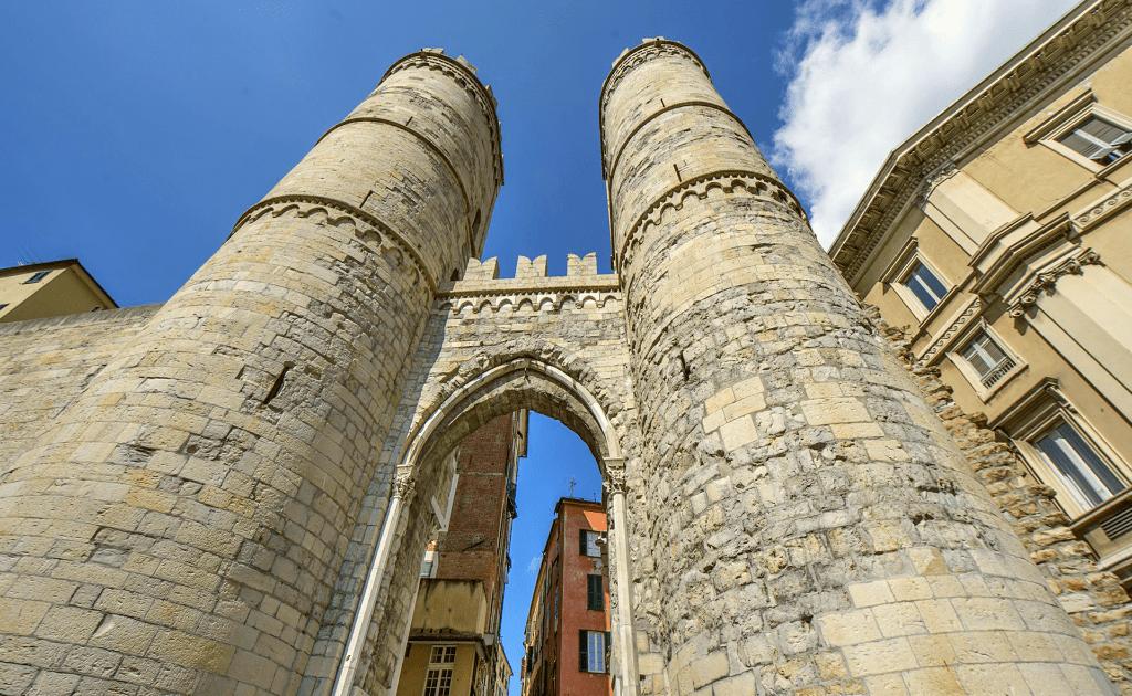 Obiective turistice Genova - Porta Soprana si Casa di Colombo
