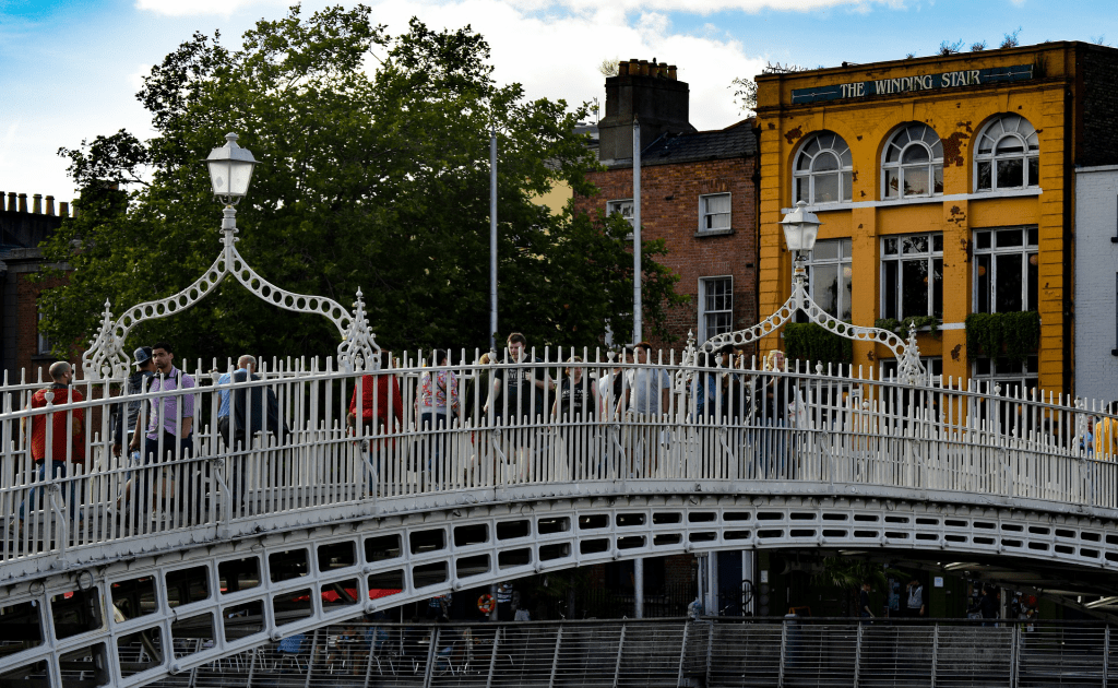 Obiective turistice Dublin - Podul Ha'penny