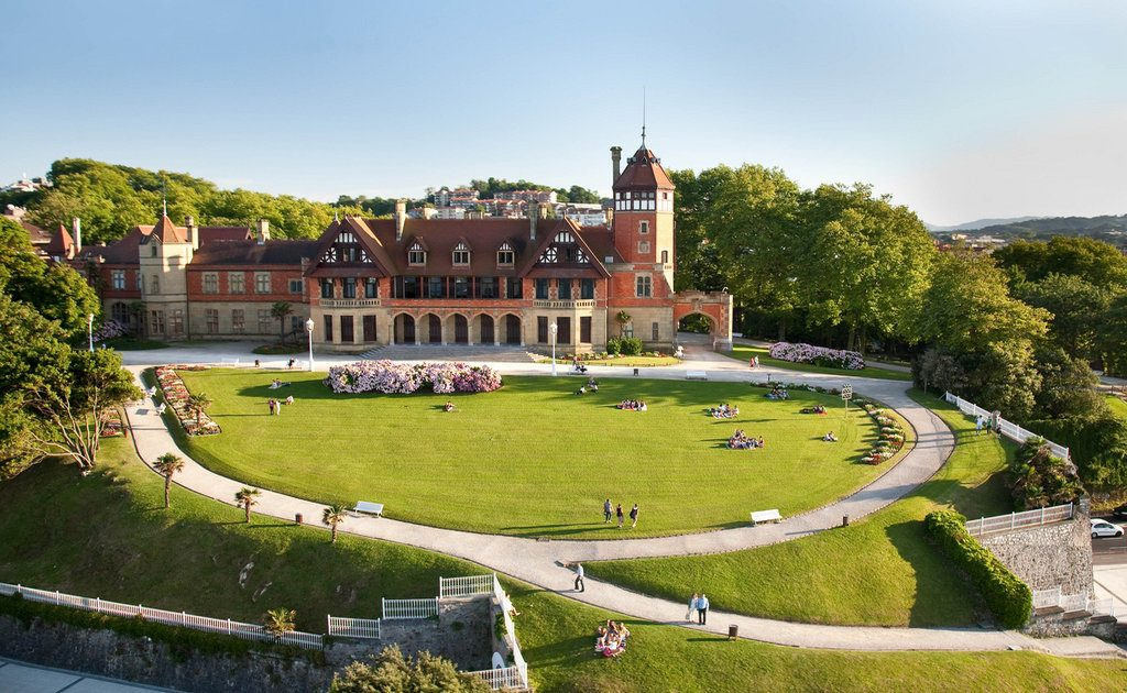 Obiective turistice San Sebastian - Palatul Miramar