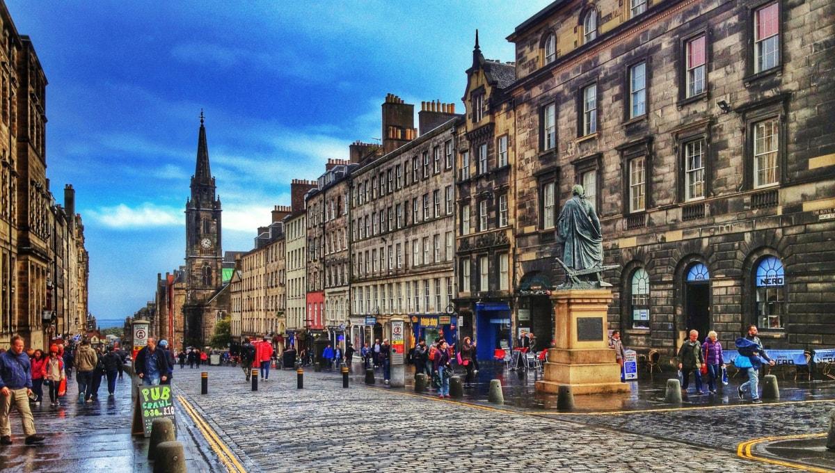Edinburgh - strada Victoria