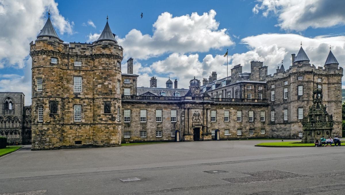 Palatul Holyroodhouse - resedinta reginei Scotiei