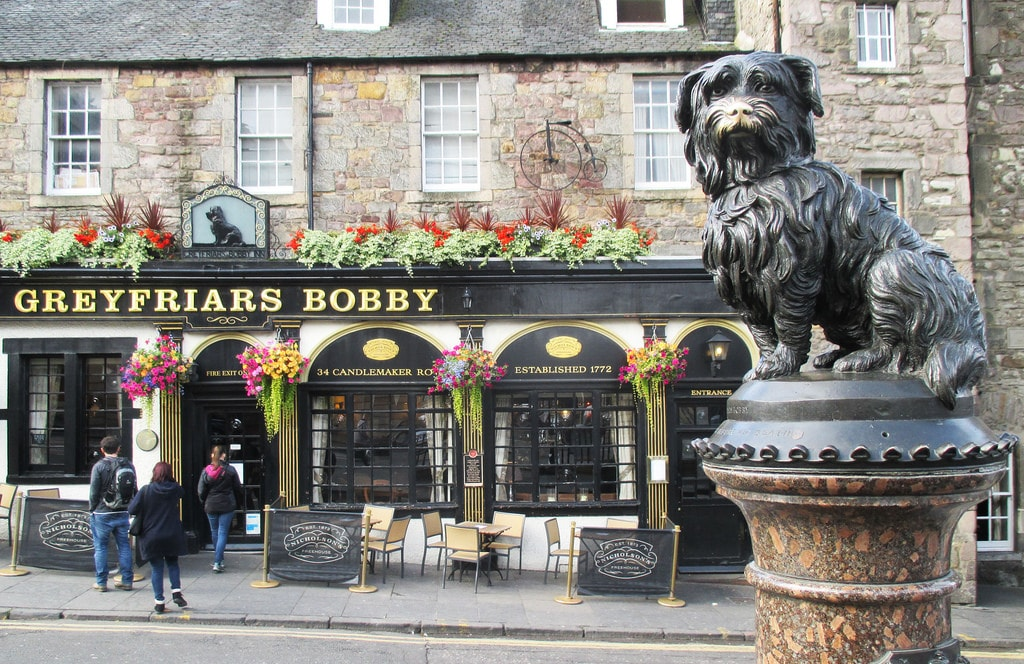 Greyfriars Bobby monument