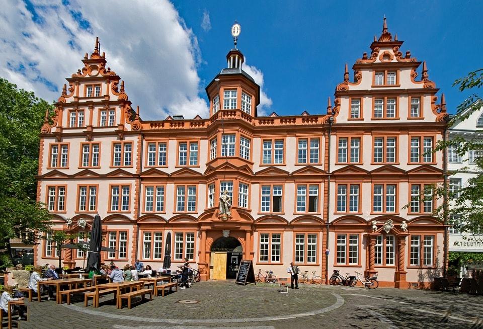 Piata Gutenberg - obiective turistice Strasbourg