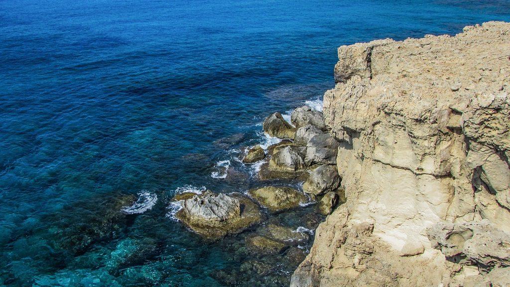 Apa cristalina in Cipru