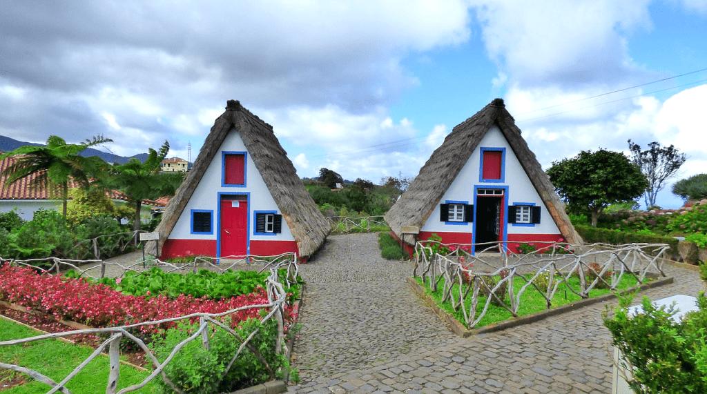 Sejur in Madeira - Casele de la Santana
