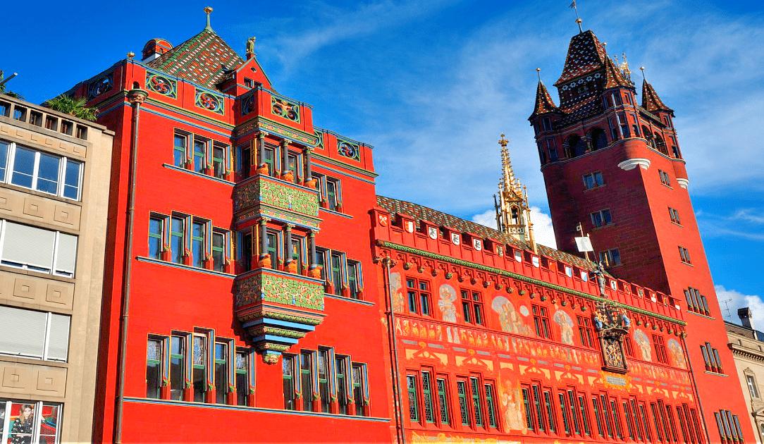 Obiective turistice Basel - Marktplatz si Primaria