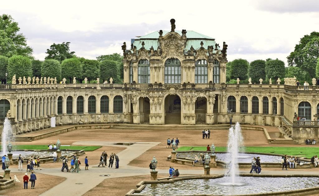 Obiective turistice Dresda - Palatul Zwinger