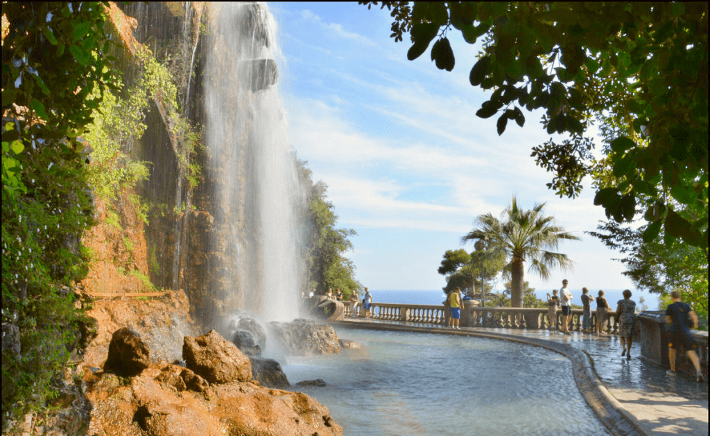 Obiective turistice Nisa - Colline du Chateau