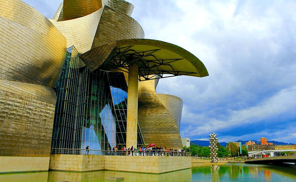 Obiective Turistice Bilbao - Muzeul Guggenheim
