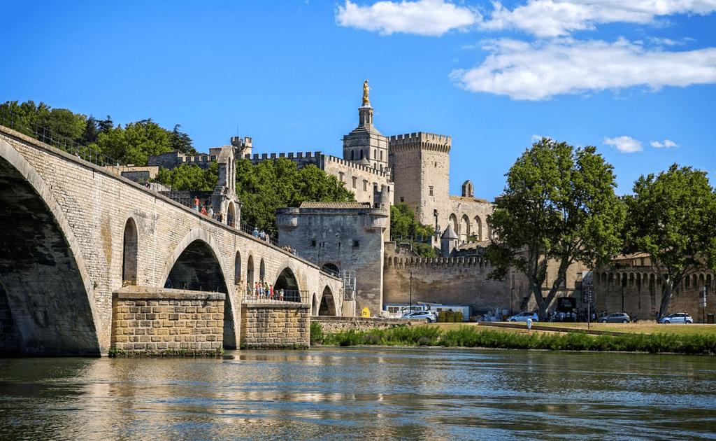 Obiective turistice Provence - Avignon