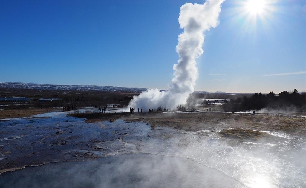 Obiective turistice Islanda - Gheizerul Strokkur